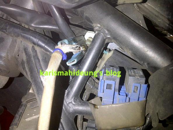 sinyal untuk rpm, ambil dari kabel busi, cukup di jepit aja.